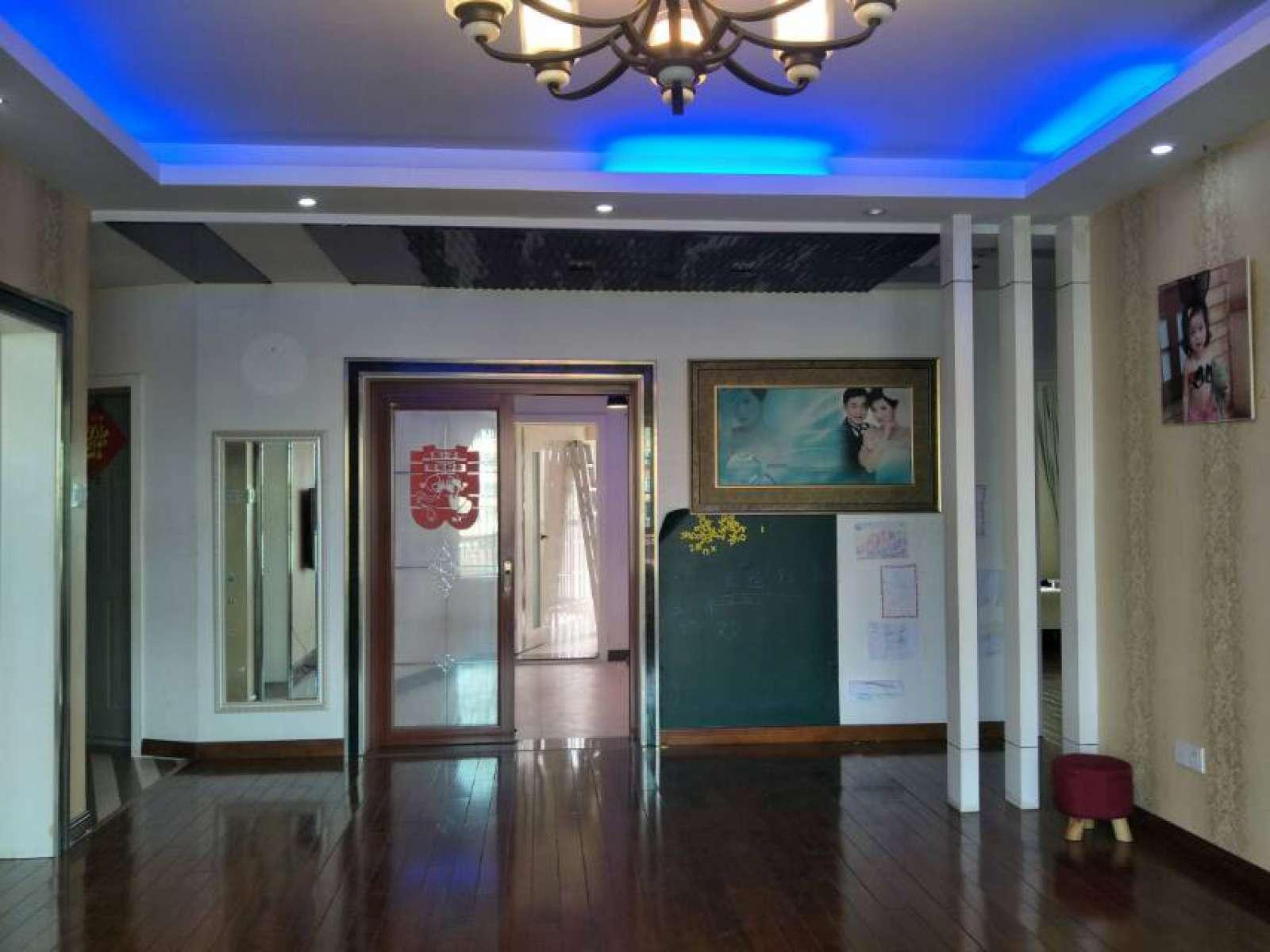 鸿丰馨苑 3室2厅115㎡