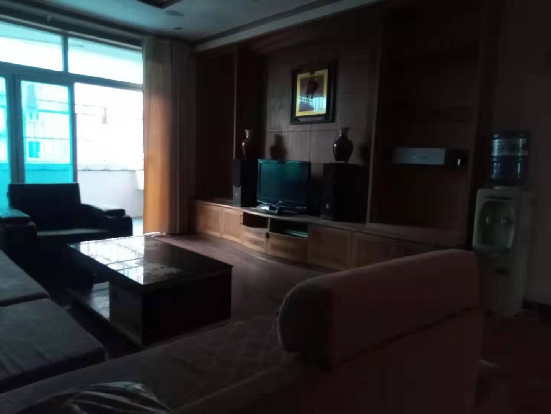 东盟城中城 3室2厅141.63㎡