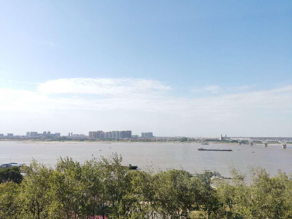 浔阳江畔 3室1厅107㎡