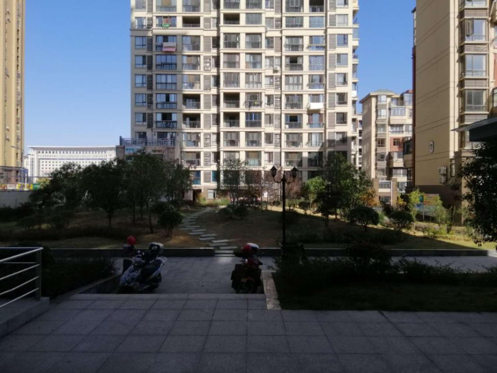 南山名苑 4室3厅139㎡
