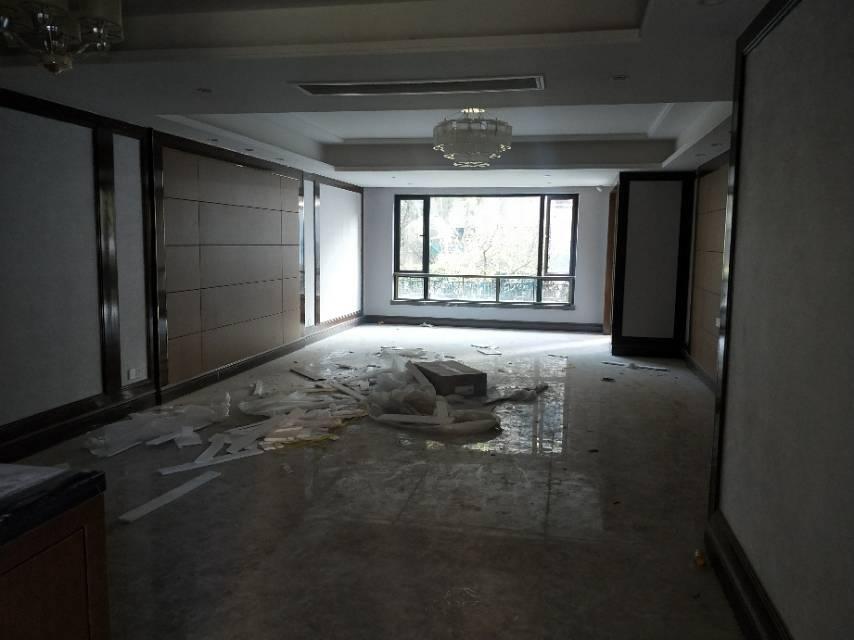 恒大江湾 4室2厅180㎡