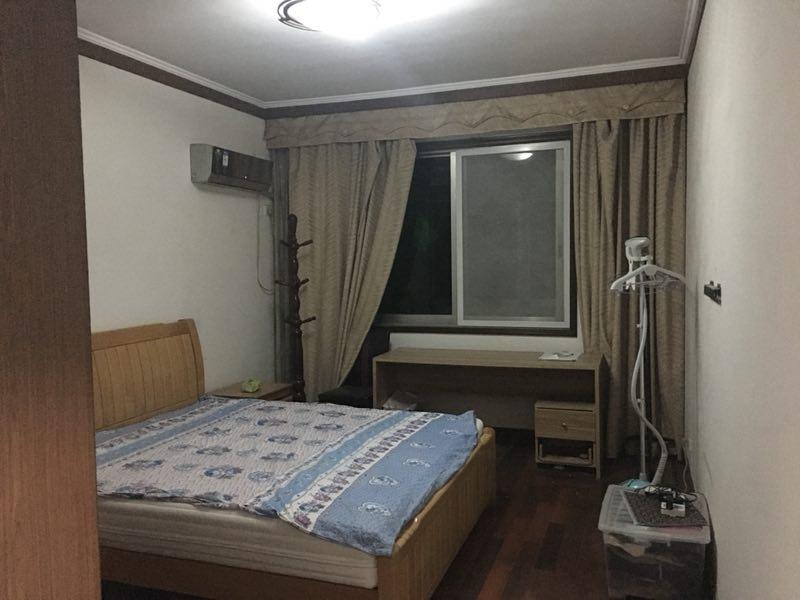 东宝嘉园东区 3室2厅139㎡