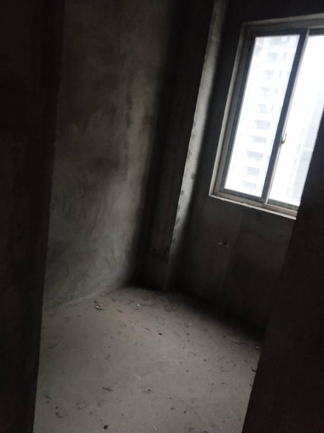 官牌夹安置小区 3室2厅100㎡