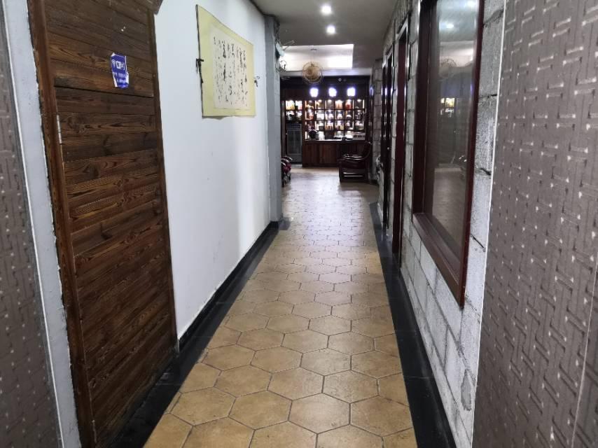 锦绣嘉园 5室2厅400㎡