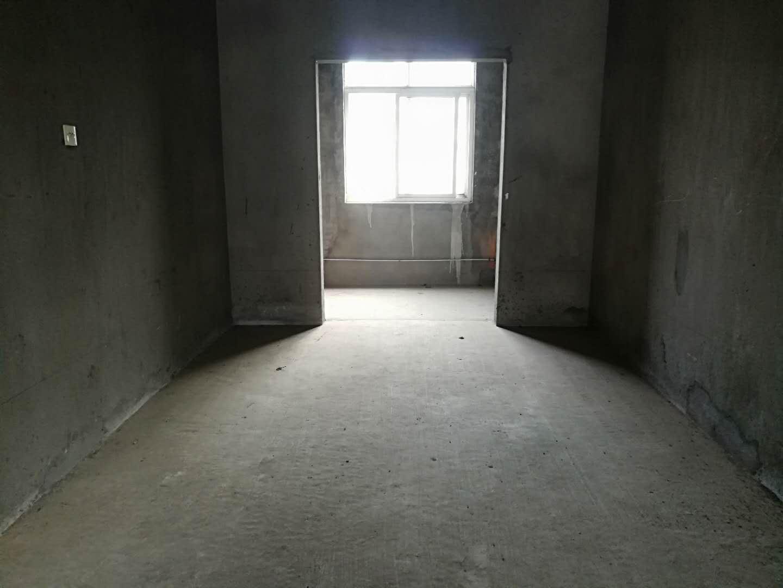浔阳江畔 毛坯复式  周边有成熟的商圈配套 靠近浔阳楼锁江楼最有文化景点的地方