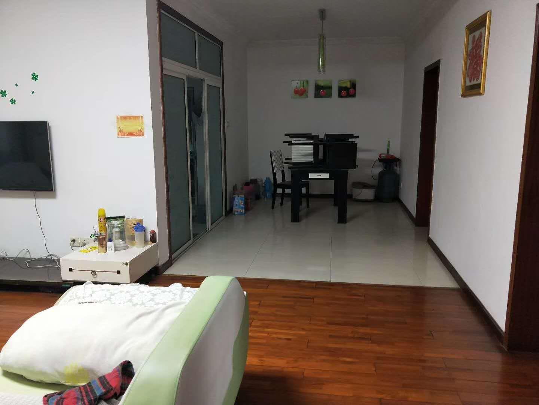 天福花园 3室2厅132㎡