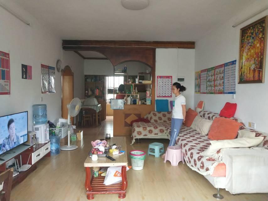 新纪元小区 2室2厅90㎡