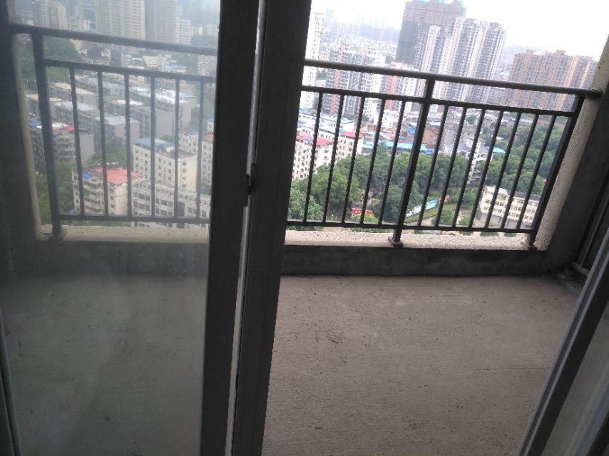 东方佳园 3室2厅95㎡