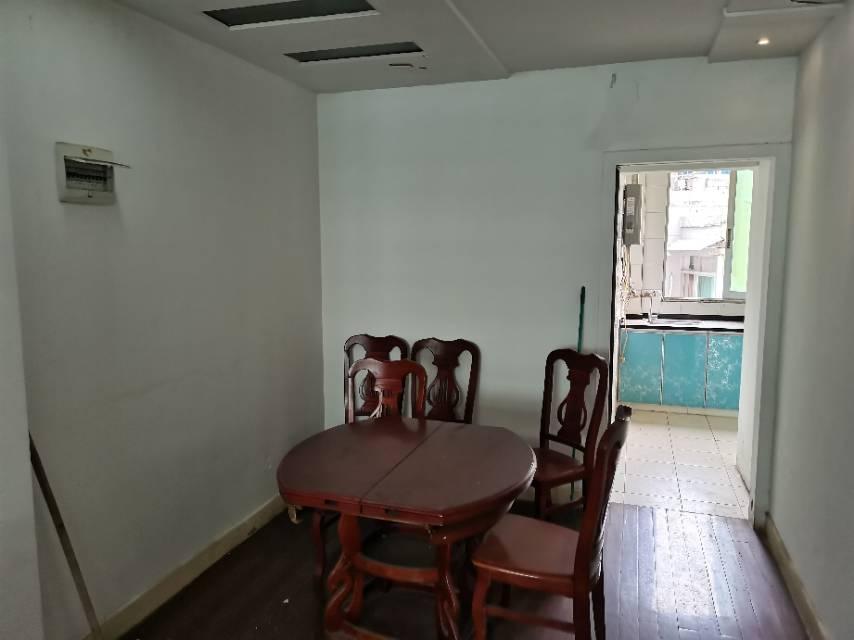 三兴花园 2室2厅100㎡