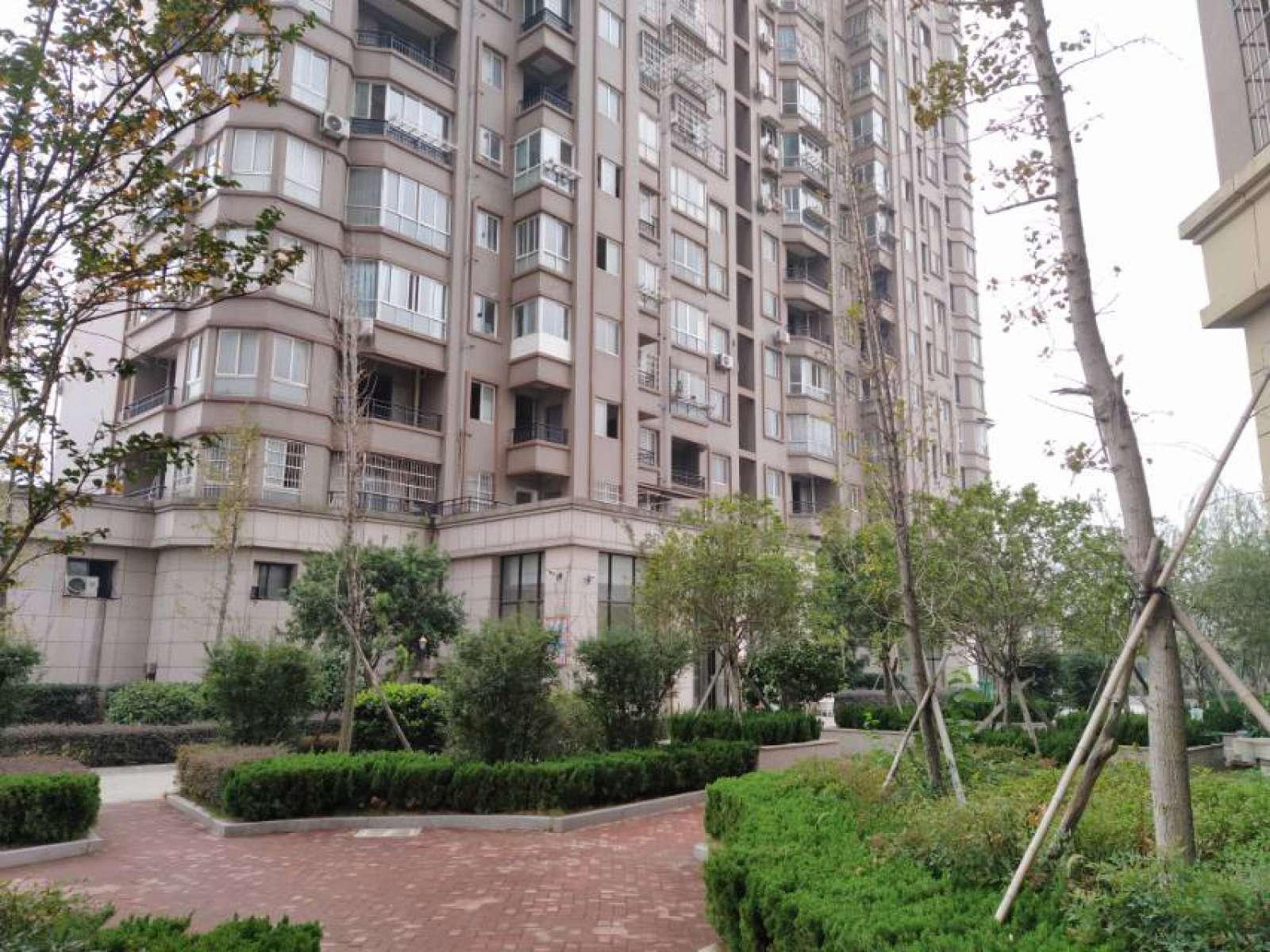 东方国际公寓 4室2厅141㎡