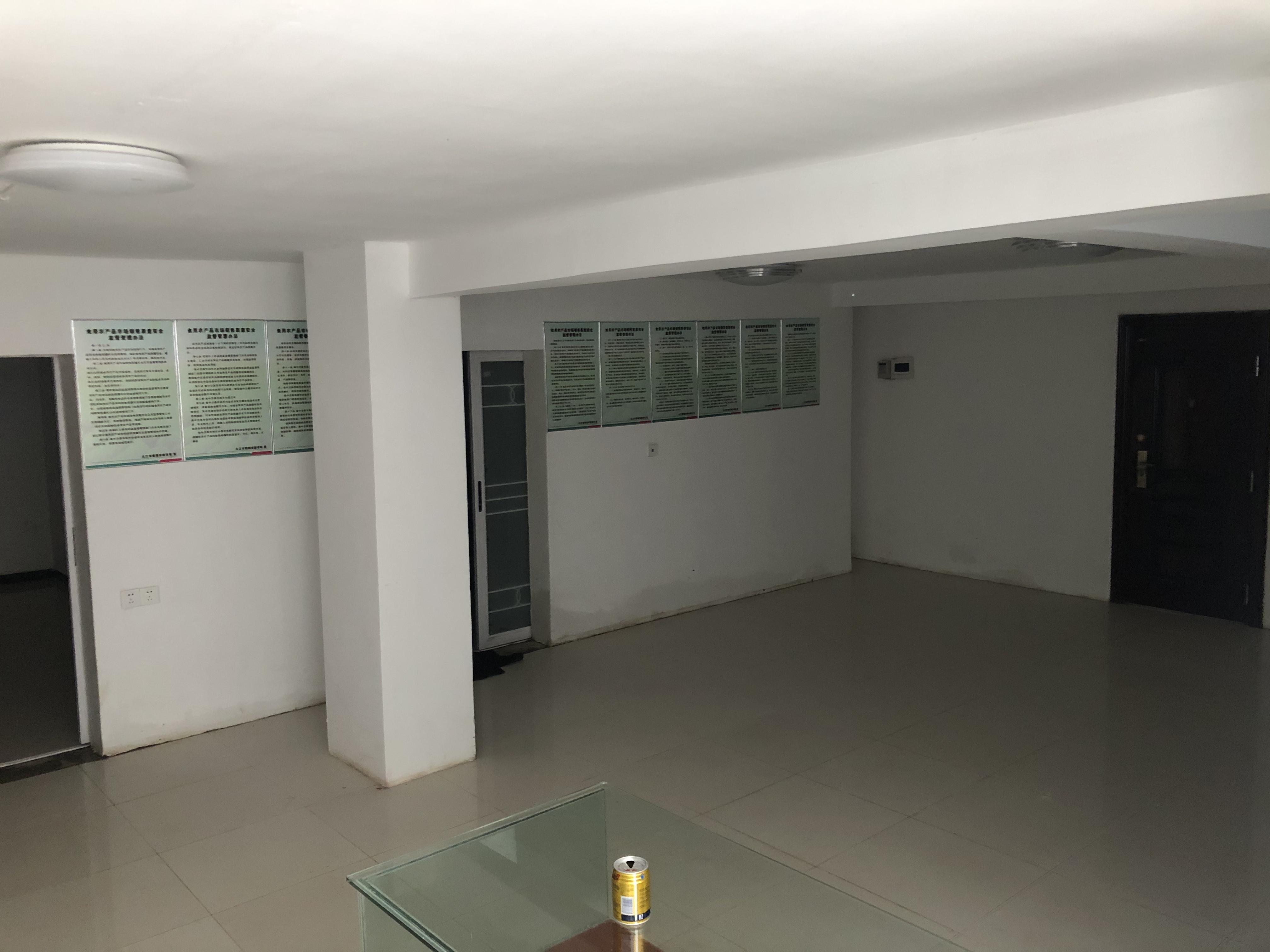 庐山国际 一楼带院子带地下室可做三层