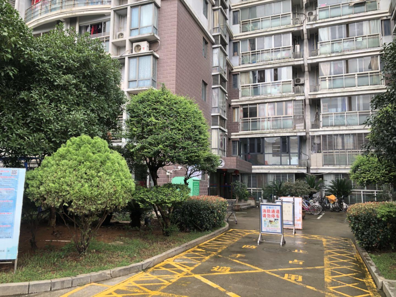 一中旁阳光国际附近名湖广场精装两房出售