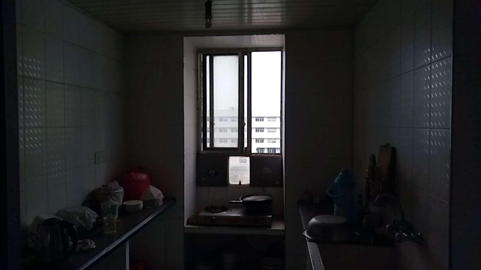 水岸莲华 3室2厅104㎡