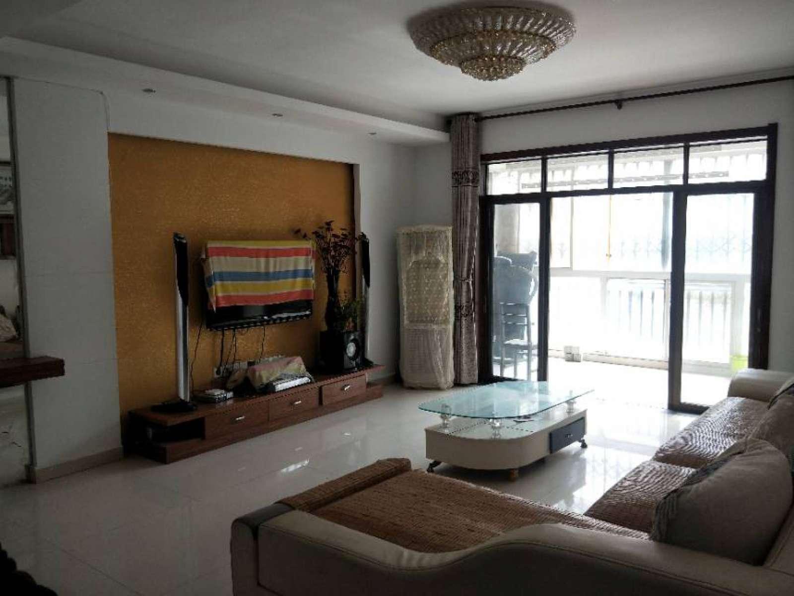 浔阳江畔 3室2厅138㎡