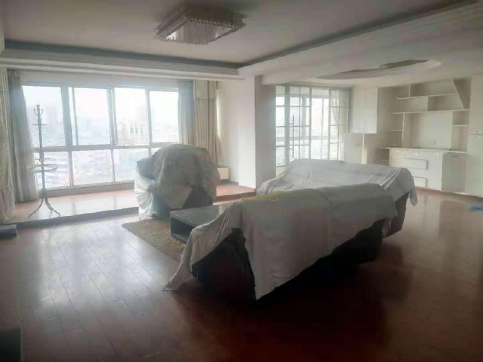 翠湖明居 4室2厅184.5㎡