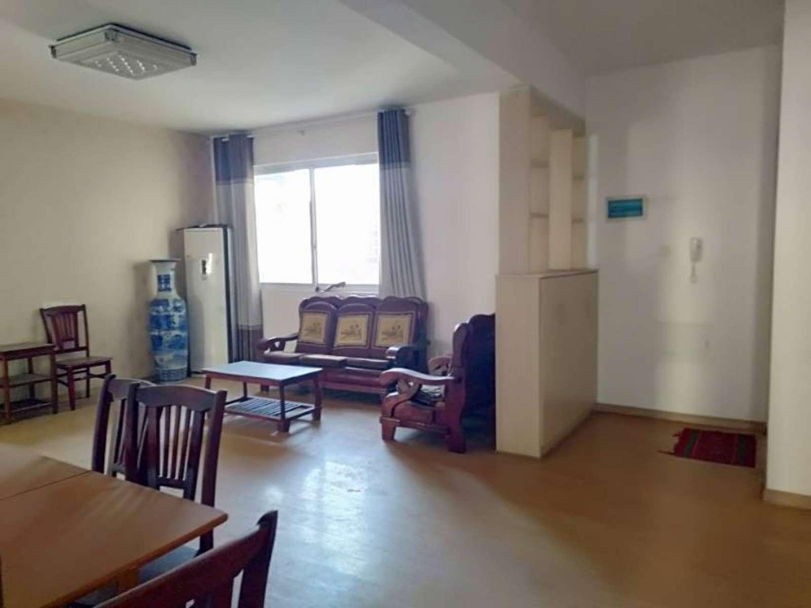 王家凹安置小区 3室2厅120㎡