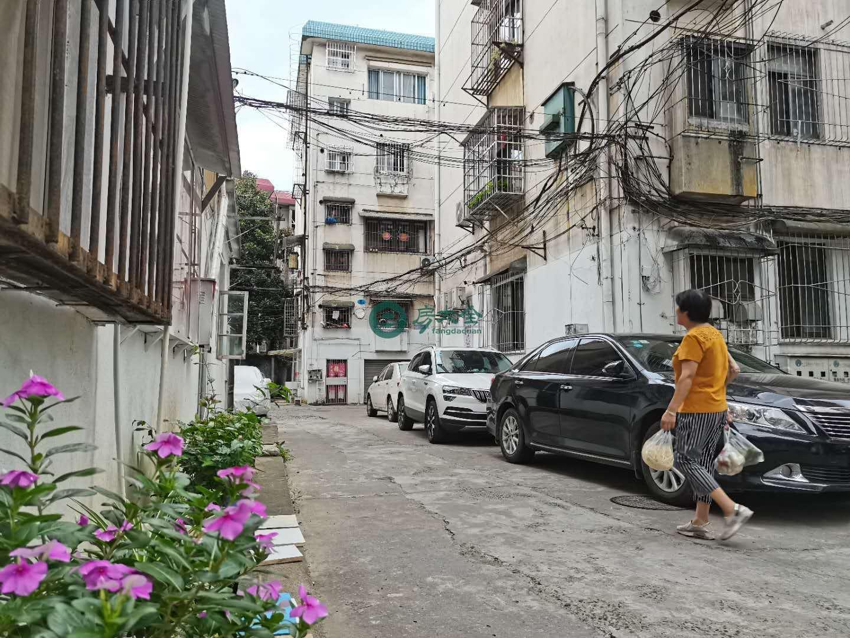 甘棠南路港务局宿舍的实景图