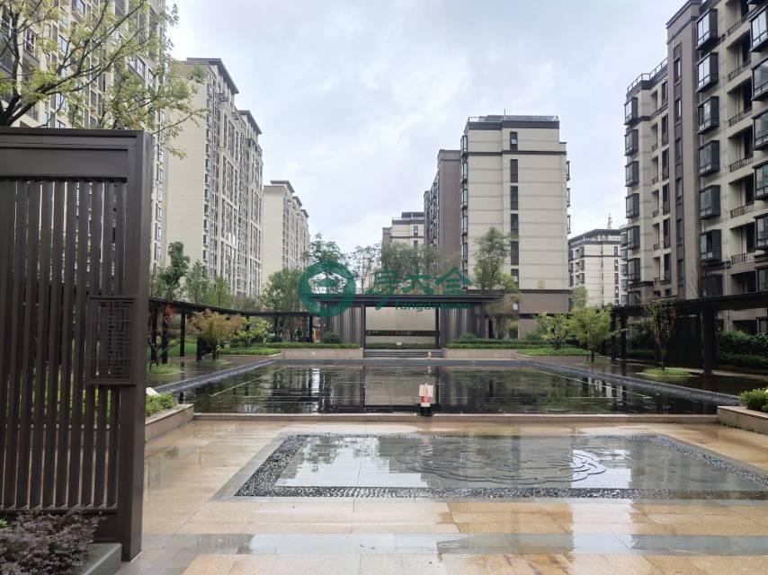 中梁首府的实景图