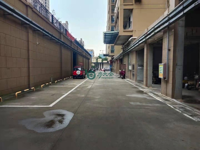 汽車城小區的實景圖